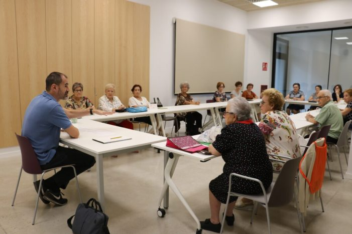 L'Ajuntament de Quart de Poblet ofereix acompanyament virtual a les seues Aules de Majors