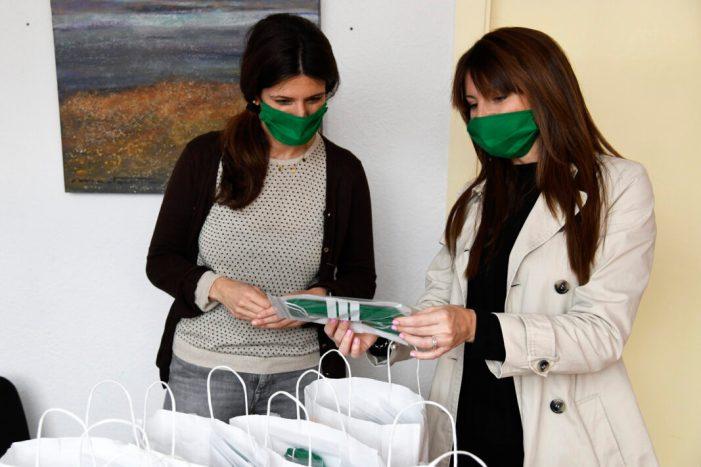 L'Ajuntament de Paiporta reparteix prop de 500 mascaretes solidàries entre el comerç local