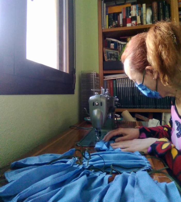 L'Ajuntament d'Alboraia col·labora amb veïnes i veïns per a elaborar màscares per a comerços locals i persones vulnerables i de risc