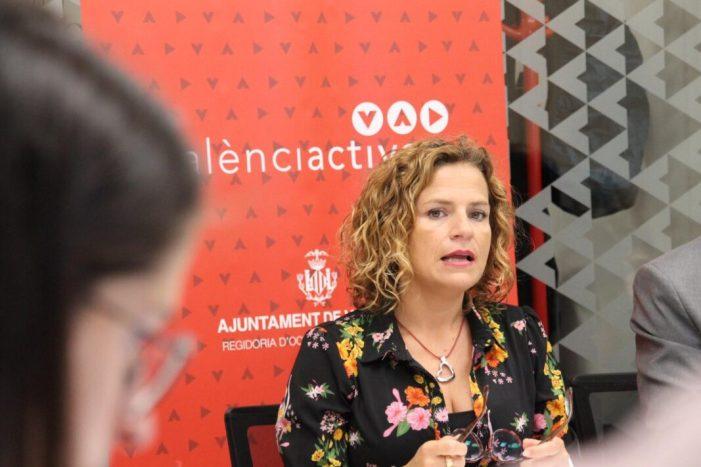 """La regidora de Formació i Ocupació, Pilar Bernabé, ha informat que l'Ajuntament de València, a través de València Activa, """"reforça el programa formatiu València Activa Exprés"""