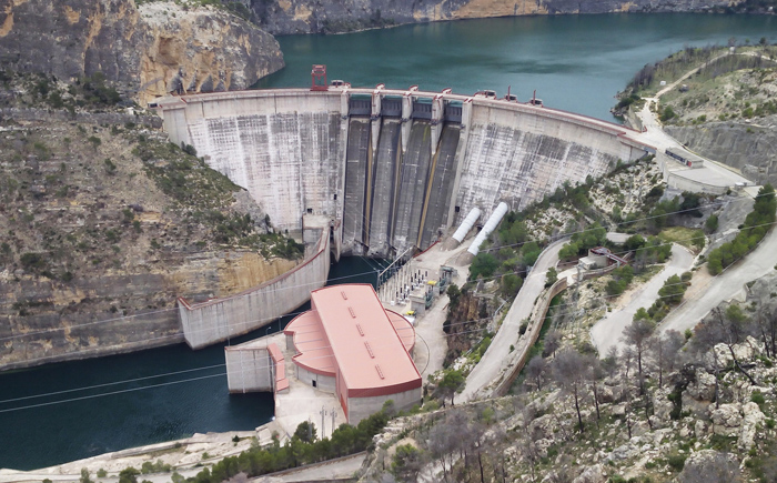 Un estudi confirma que la tendència dels recursos hídrics en la conca del Xúquer és decreixent