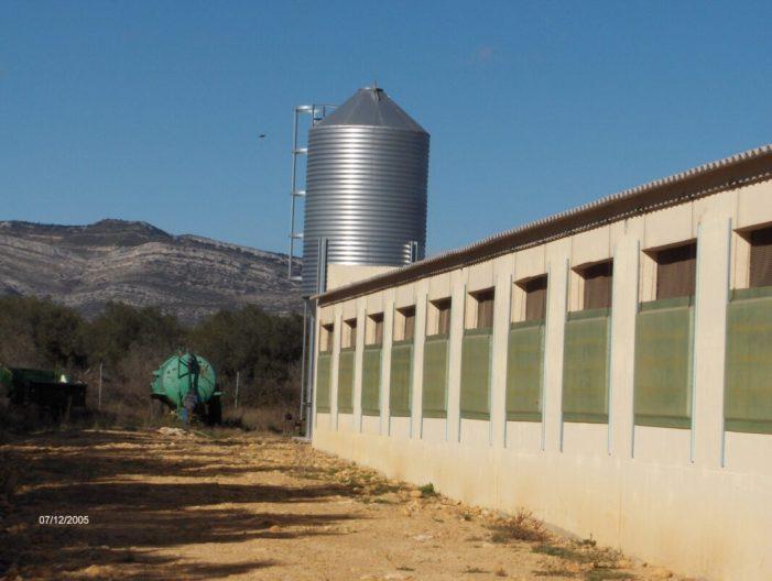 LA UNIÓ denuncia que més de la meitat de les explotacions que van sol·licitar les ajudes per la millora de la ramaderia es queden fora davant la falta de pressupost