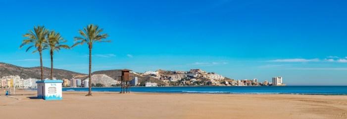 Cullera inicia la temporada estival amb l'objectiu de garantir la seguretat a les seues platges