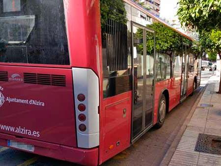 La línia 3 de l'autobús urbà d'Alzira queda suspesa als mesos de juliol i agost