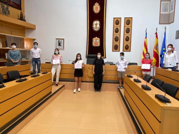 """Al voltant de 80 alumnes dels centres educatius d'Algemesí participen en el concurs de poesia """"A la fira enguany anem en vers"""""""