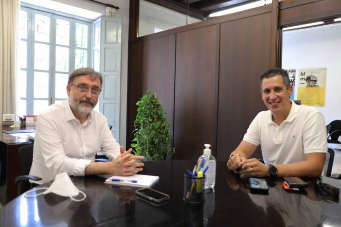 El diputat de Patrimoni, Andreu Salom, es reuneix amb el nou alcalde de Real