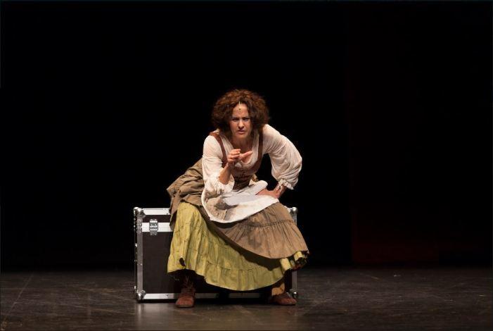 L''Off Romà' ompli 'Sagunt a Escena' de circ, teatre i música