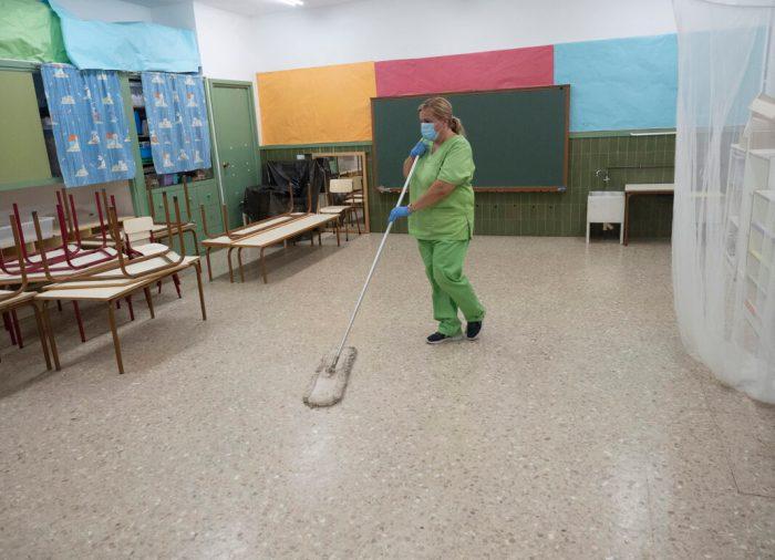 L'Ajuntament de l'Alcúdia amplia la neteja dels centres escolars durant la jornada lectiva