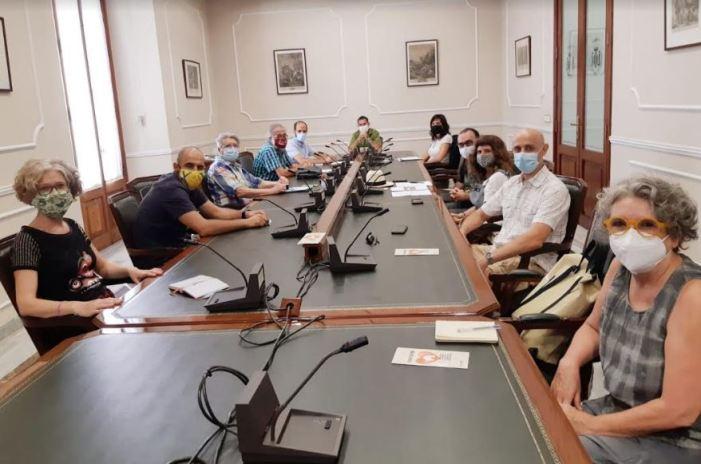 El vicealcalde i regidor d'Ecologia Urbana, Sergi Campillo, s'ha reunit amb representants de l'Associació Promotora de l'Hort Urbà