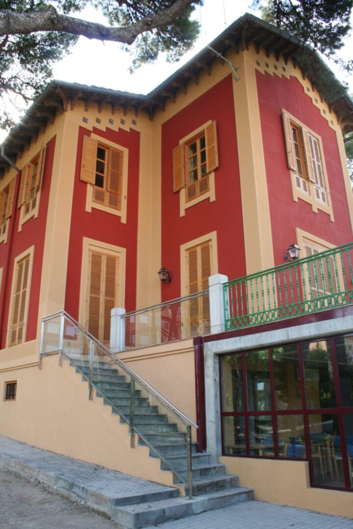 Les directives dels centres Socials de Burjassot reprenen la seua activitat amb cita prèvia