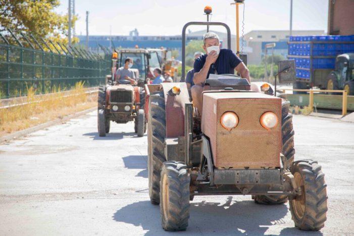 Una unitat mòbil es desplaça a Picassent per realitzar les inspeccions tècniques als vehicles agrícoles