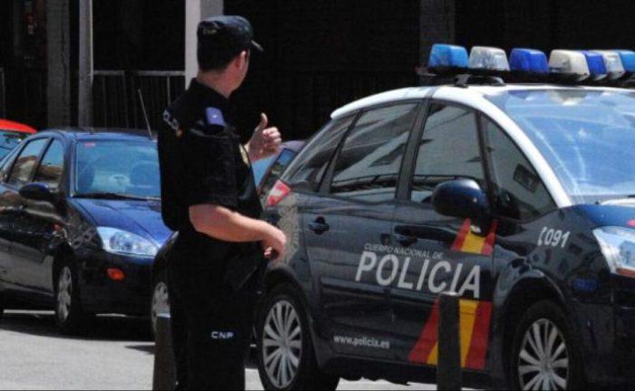 La Policia Nacional deté a Paterna i València a dos homes per un presumpte delicte de maltractaments als seus progenitors
