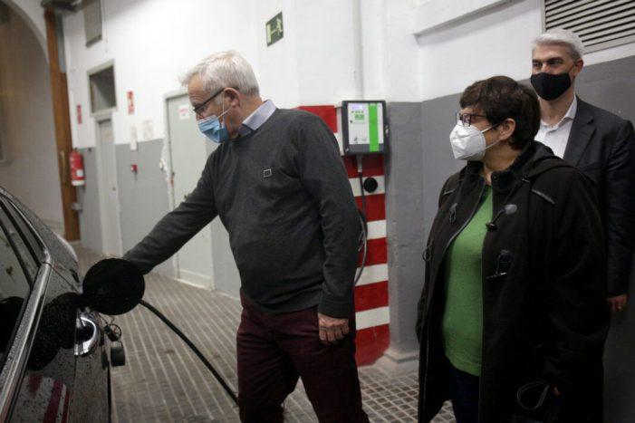 El parc mòbil municipal de València es renova amb vehicles elèctrics per reduir les emissions d'efecte hivernacle