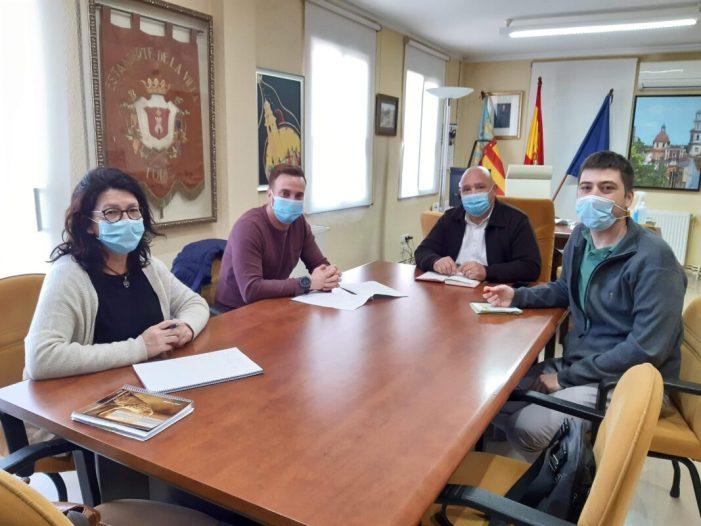 Ajuntament de Turís i institut fomenten la participació i implicació juvenil en l'activitat social de la localitat
