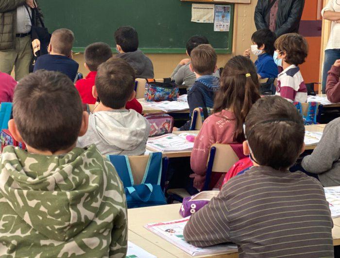 L'Ajuntament d'Alzira concedix el 100% d'ajudes sol·licitades per a material escolar