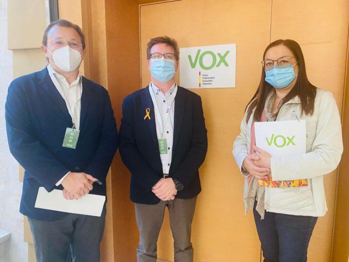 VOX i Feceval estrenyen llaços de col·laboració per a fer front a la Llei Celaá que ataca la llibertat educativa