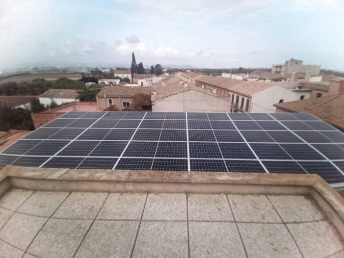 Les noves plantes fotovoltaiques dels pobles de València produïxen l´equivalent a l´energia que consumixen vora 90 vivendes