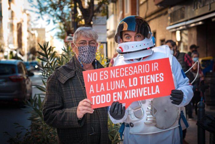 Éssers estranys aterren a Xirivella per a realitzar les seues compres de Nadal