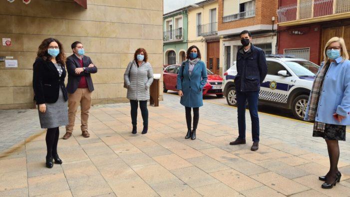 Els diputats autonòmics Mercedes Caballero i David Calvo han visitat hui Carlet