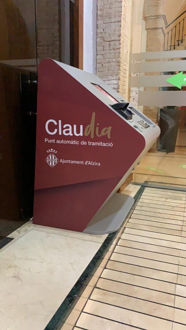 L'Ajuntament d'Alzira instal·la un nou Punt Automàtic de Tramitació, CLAUdia