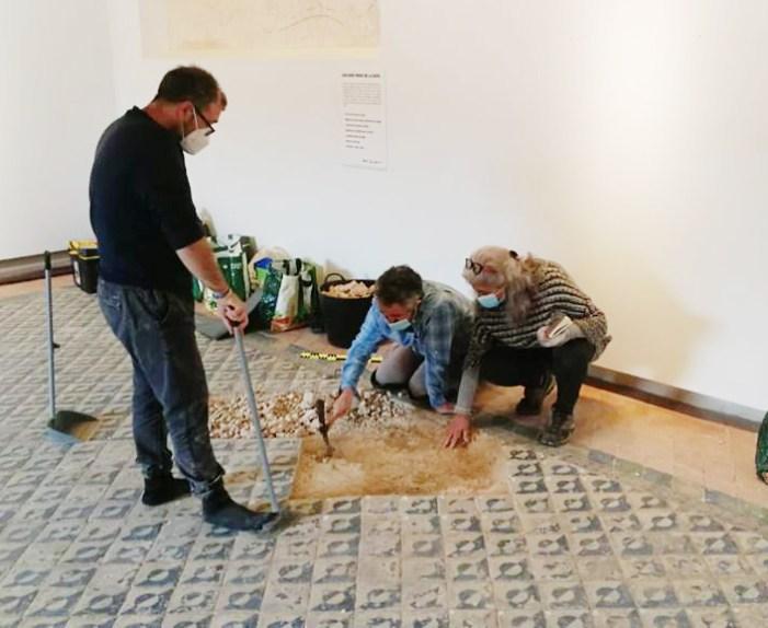 Alaquàs ha realitzat en els últims dies treballs de conservació i restauració en el paviment del Castell d'Alaquàs