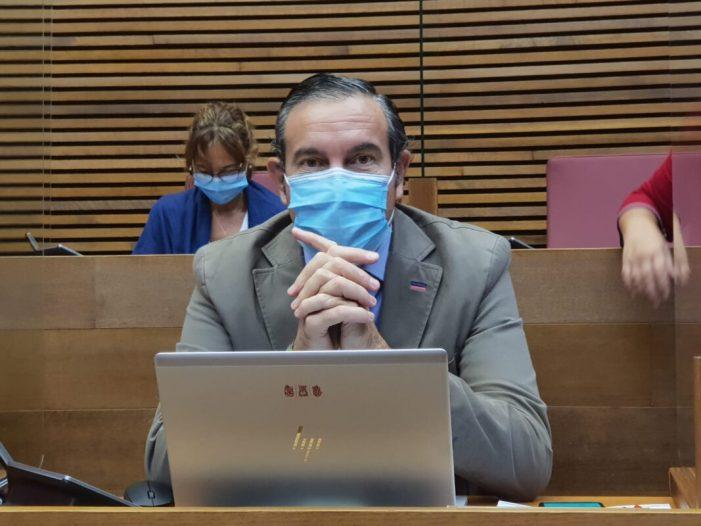 """El PP demana a Sanitat que deixe de gestionar les PCR """"arrossegant els peus"""" i active ja el contracte adjudicat fa quatre mesos a huit laboratoris valencians"""