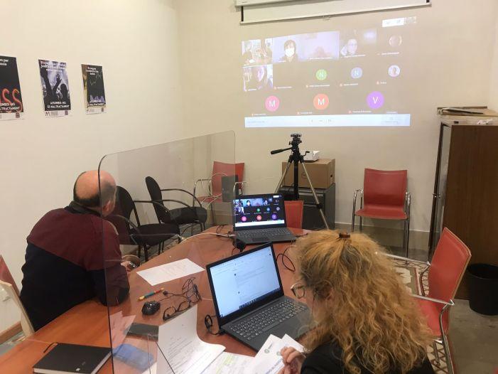 La Mancomunitat de l'Horta Sud organitza un taller per a motivar als majors de 50 anys a aprofitar la seua experiència en la cerca d'ocupació