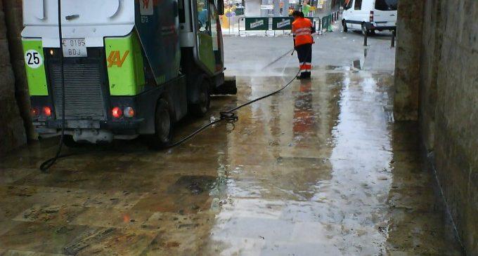 València destina 418.000 euros al mes per a la desinfecció de vies públiques i mobiliari urbà