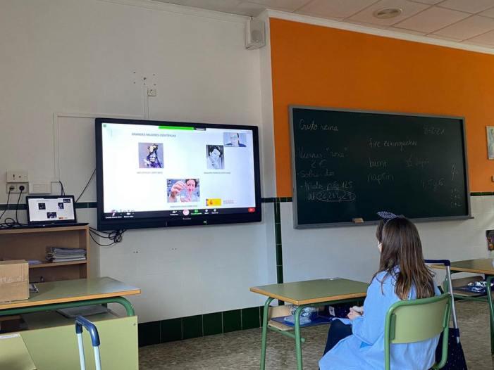 L'alumnat de Benifaió participa amb diverses activitats en el Dia Internacional de la Dona i la Xiqueta en la Ciència