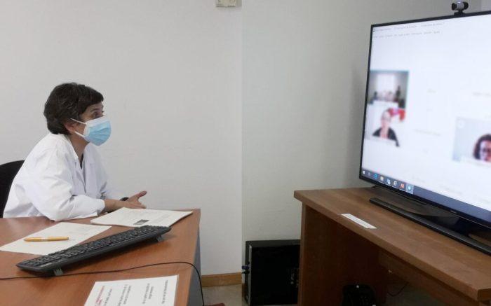 L'Hospital d'Alzira aborda amb els seus professionals els efectes psicològics de la pandèmia