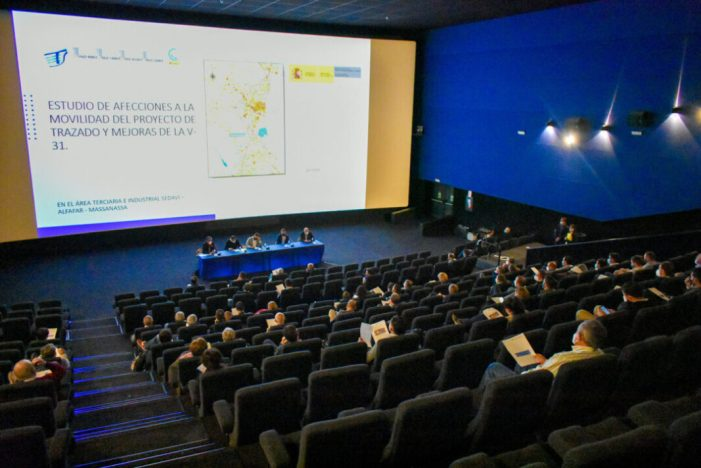 Empresaris i municipis de la pista de Silla s'uneixen contra l'ampliació de l'autovia