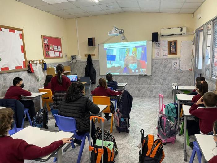 L'alumnat de 4t de primària del col·legi Sant Cristòfor Màrtir coneix Picassent amb l'alcaldessa i el regidor de Cultura i Festes