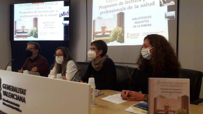El Departament de la Ribera i diverses biblioteques de la comarca elaboren un catàleg de lectures per a generar salut i benestar en professionals sanitaris