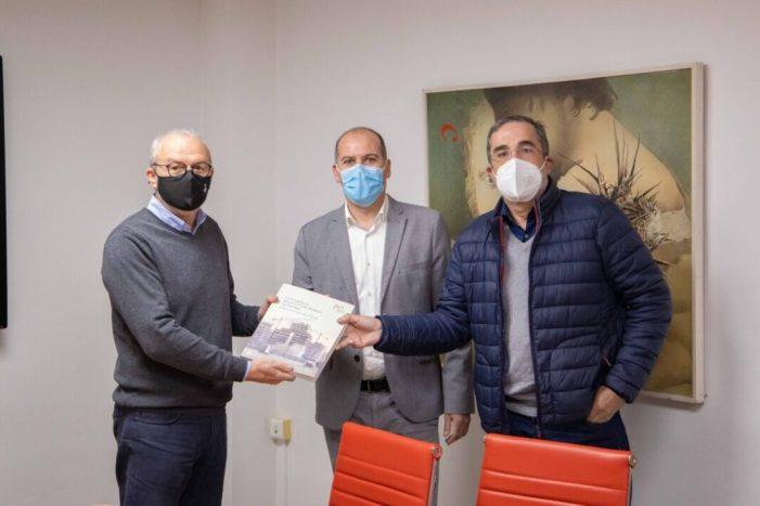 Cullera acorda projectes futurs amb el Col·legi Oficial d'Aparelladors, Arquitectes Tècnics i Enginyers d'Edificació de València
