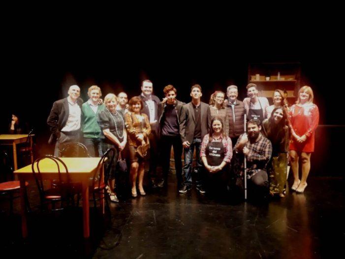 Volem Teatre estrena a la Casa de la Cultura d'Alzira la versió en valencià deLa Tasca del Sifoner
