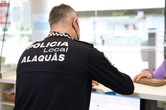 L'oficina d'objectes perduts d'Alaquàs torna més de 700 euros i 12 mòbils a les persones propietàries durant els últims mesos