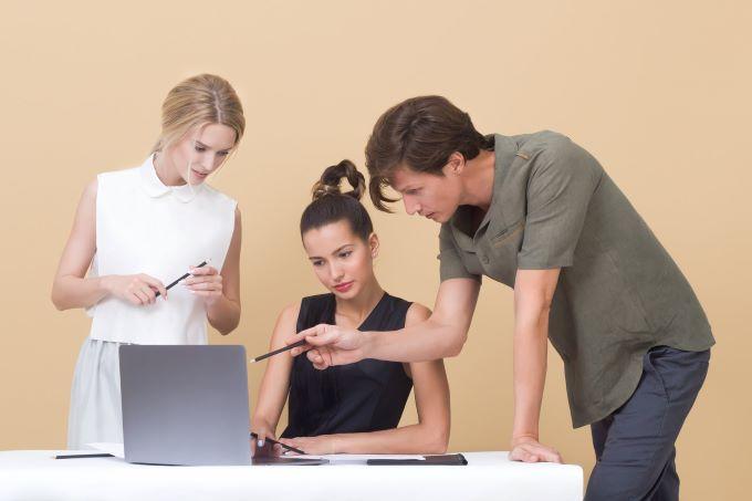 La Regidoria d'Igualtat de Sueca informa sobre la nova legislació referent als plans d'igualtat retributiva en les empreses