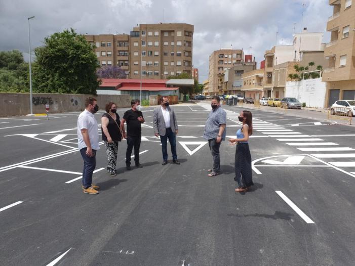 Sueca compta amb un nou espai d'aparcament públic al carrer Dr. Fleming