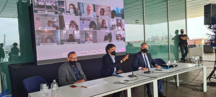 Colomer clausura a València la jornada 'Reinventat l'estiu'