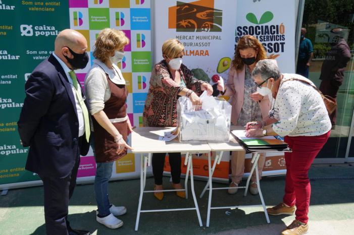 Sortejats els xecs i els tres sopars de la campanya del Dia de la Mare a Burjassot