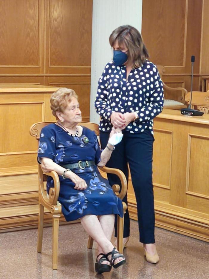 Quart de Poblet ret homenatge a les persones centenàries del municipi
