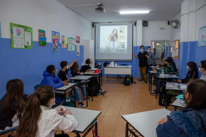 Els instituts de Mislata se sumen al projecte europeu per a previndre i respondre davant el ciberassetjament entre els jove
