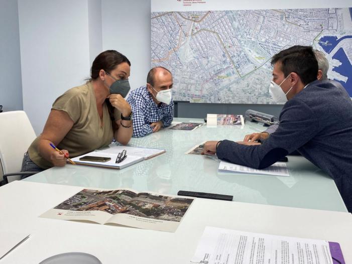 Burjassot i FGV acorden la cessió al municipi de l'espai que quedarà fora de servei després del soterrament de les vies per a crear una zona verda