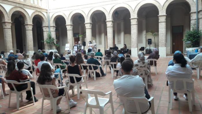 """IV Encontre Intercultural- recital """"Dones i Poesia"""" a Alzira molt emotiu"""