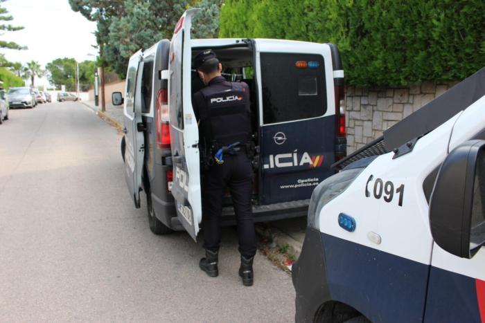 La Policia Nacional deté a un home després d'amenaçar amb una escopeta a un taxista