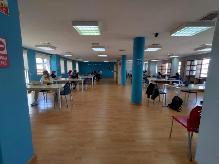 La Biblioteca Pública d'Almussafes amplia el seu horari per a la preparació d'exàmens