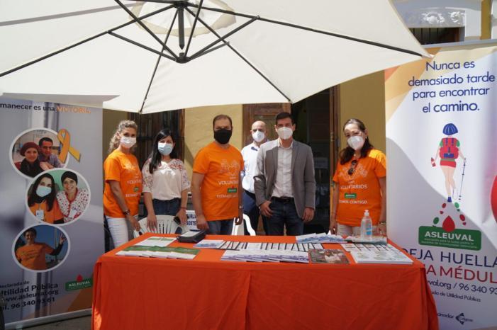 """Asleuval """"para taula"""" informativa a Burjassot en la Setmana Europea contra la Leucèmia"""