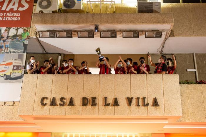 L'Ajuntament de Mislata rep als campions d'Espanya d'handbol en categoria infantil