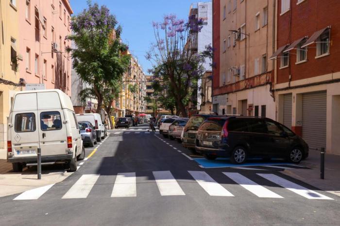Acaben les obres de millora del carrer Nicolás Andreu de Torrent