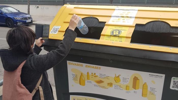 Ajuntament de València i Ecoembes entreguen a diferents entitats de caràcter social les donacions obtingudes pel reciclatge